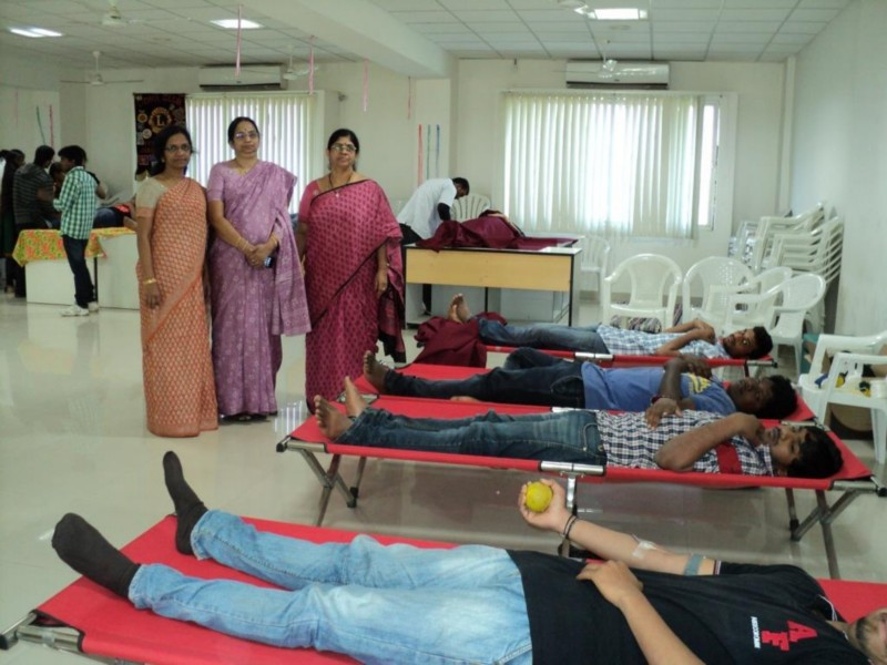 essay on blood donation in gujarati Blood donation which person contributes the blood for donation, they make the huge respect towards the society the blood donation does not become harmful for the adult people.